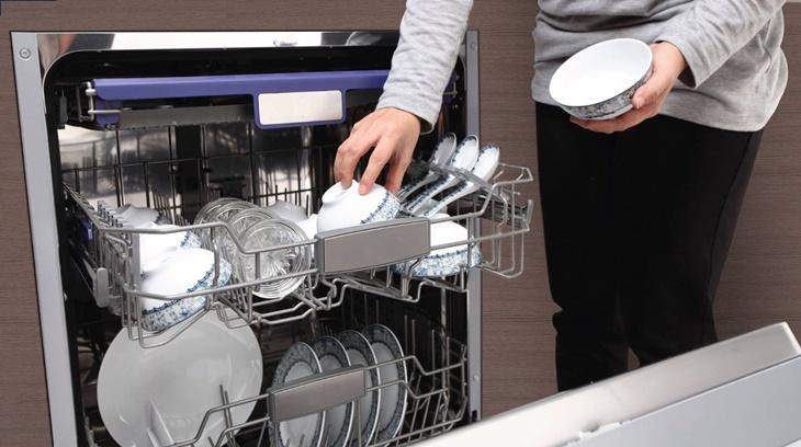 cách sử dụng máy rửa bát