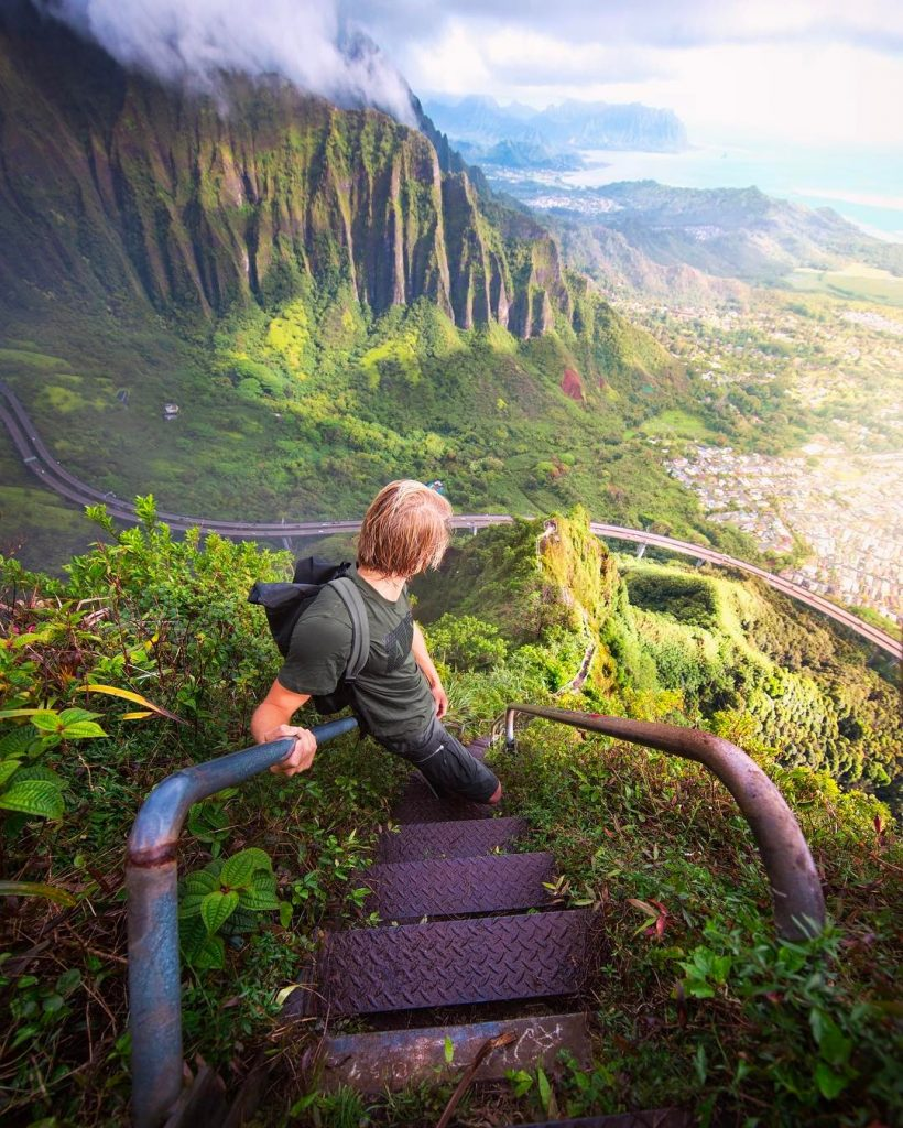 Hike the Stairway to heaven aka Haiku Stairs (#1 on 26 best things to do on Oahu)