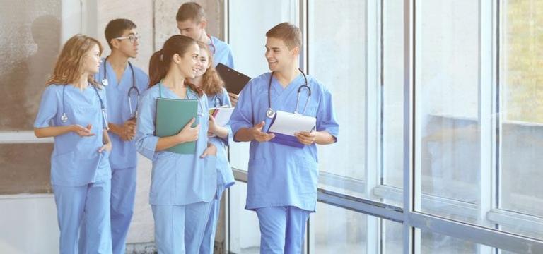 Theo học ngành điều dưỡng được đào tạo những gì?