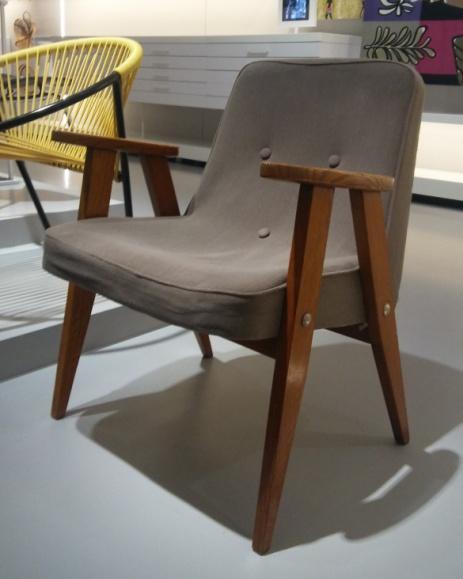 File:Chierowski fotel 366 armchair.jpg - Wikimedia Commons