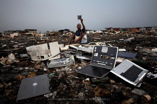 Resultado de imagen de agbogbloshie ghana contaminacion ambiental
