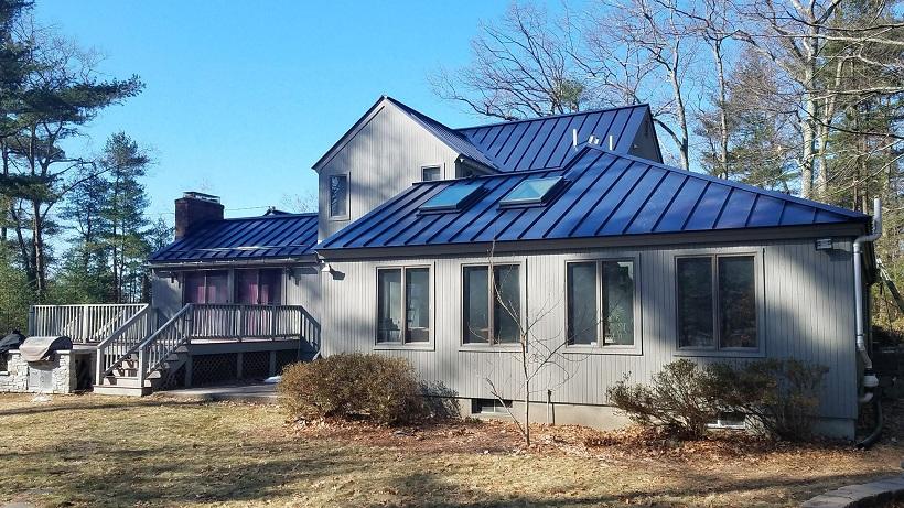 Tôn cách nhiệt màu xanh dương cho nhà ở dân dụng
