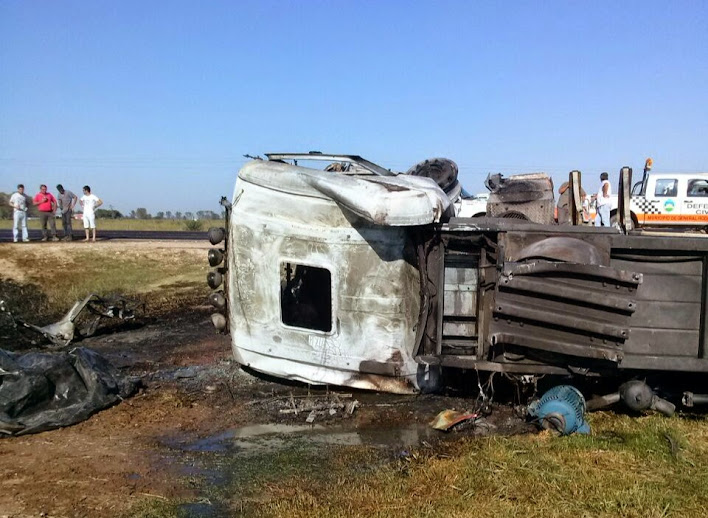 Un camionero murió en choque con una máquina vial en Ruta 6
