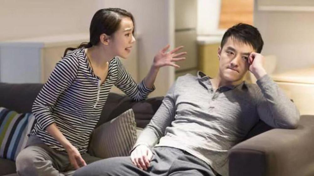 Với một ông chồng chỉ biết coi trọng bạn bè mà không coi trọng vợ thì tốt nhất là nên ly hôn.