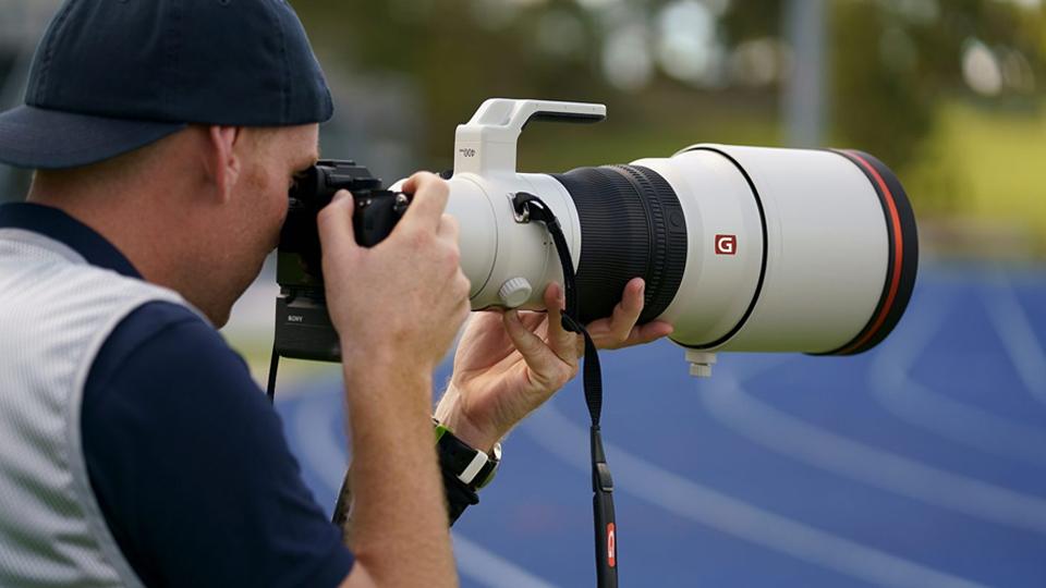 เลนส์สำหรับถ่ายภาพระยะไกล (Telephoto Lens)