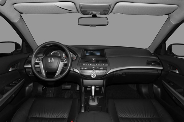 cabin-of-the-Honda-accord-2009