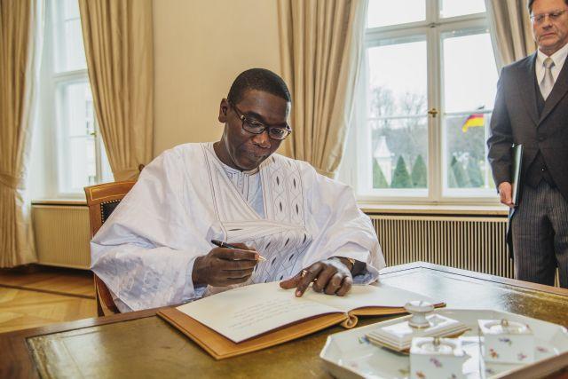 Vidéo: Voici les dernières images de Abdoul Aziz Ndiaye, l'ambassadeur du Sénégal à Berlin décédé hier soir
