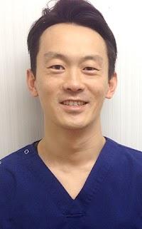 TRVA夜間救急動物医療センター院長|北里大学卒後、東京大学、酪農学園大学にて研修。埼玉県にて一次診療を経験。
