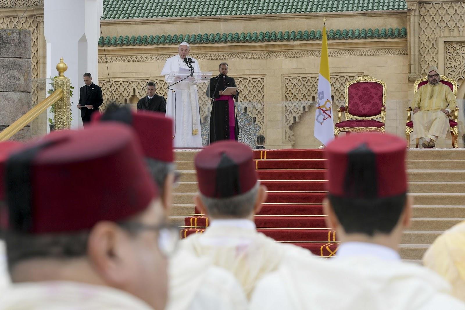 Diễn từ của Đức Thánh Cha trước các Giới chức Chính quyền Ma-rốc, Ngoại giao đoàn