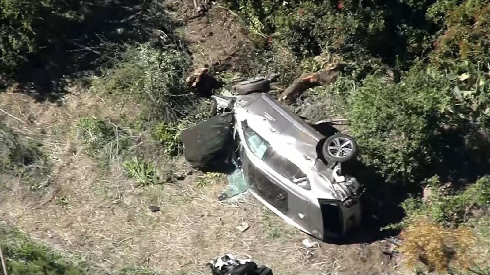 Tiger Woods: Aftermath of Tiger Woods' car crash in LA ...