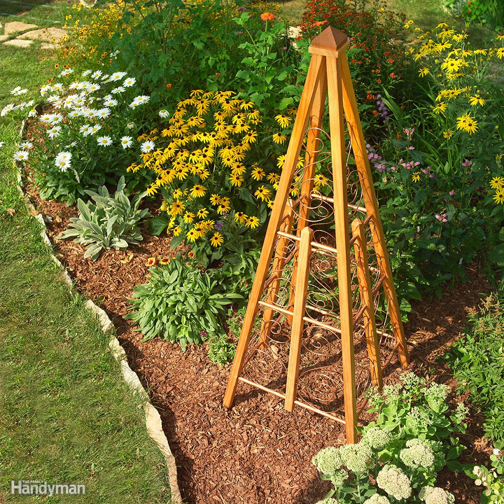Garden Trellis: These 25 Woodworking Projects For The Garden will help you transform your space.