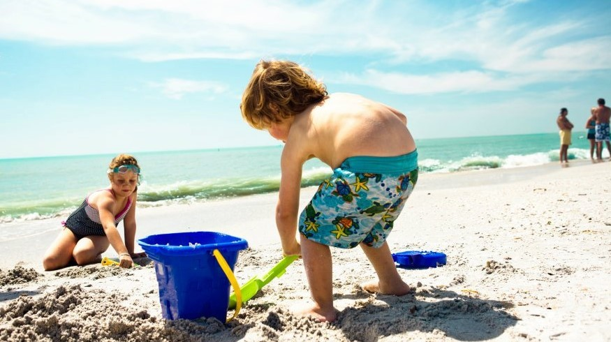 Children playing on Clearwater Beach