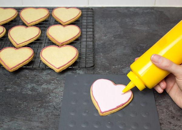 cookies 13 طرز تهیه شیرینی قلبی روز ولنتاین + آموزش تهیه کوکی قبلی و عاشقانه