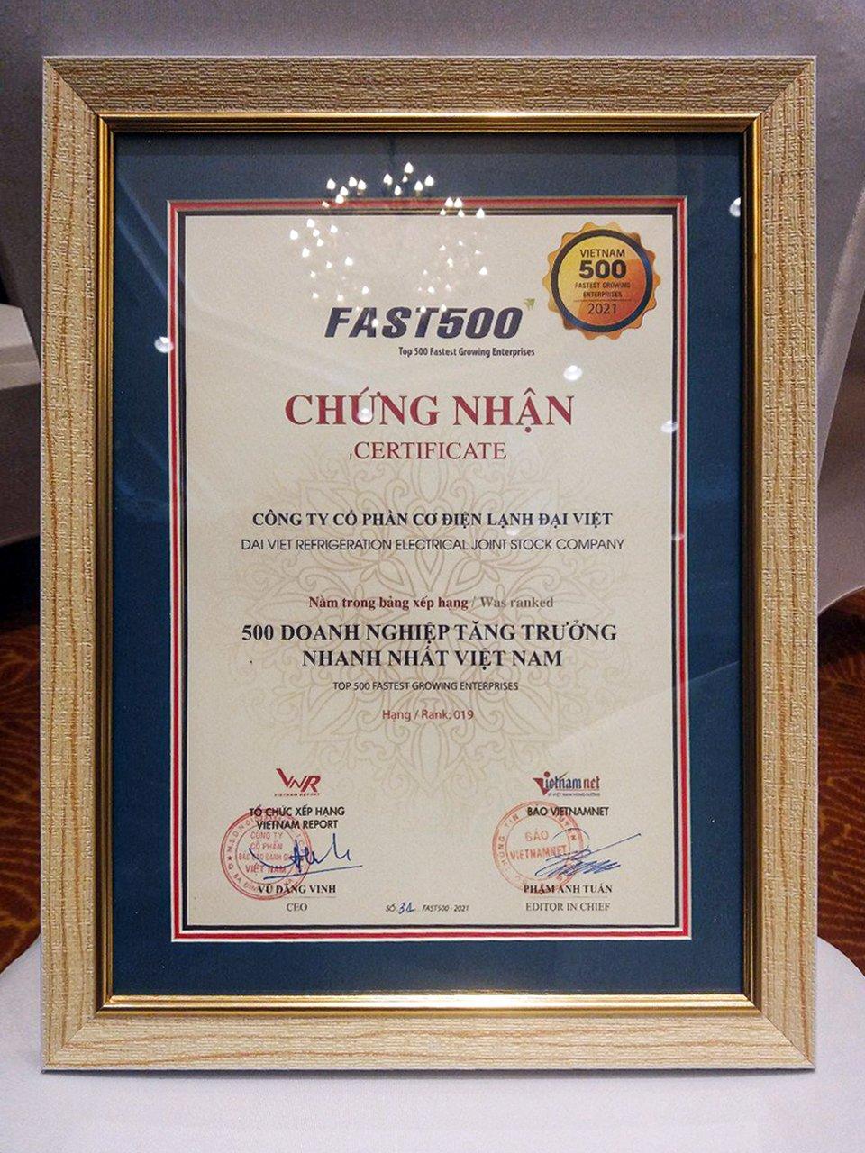 Top 500 Doanh nghiệp tăng trưởng nhanh nhất Việt Nam năm 2021.