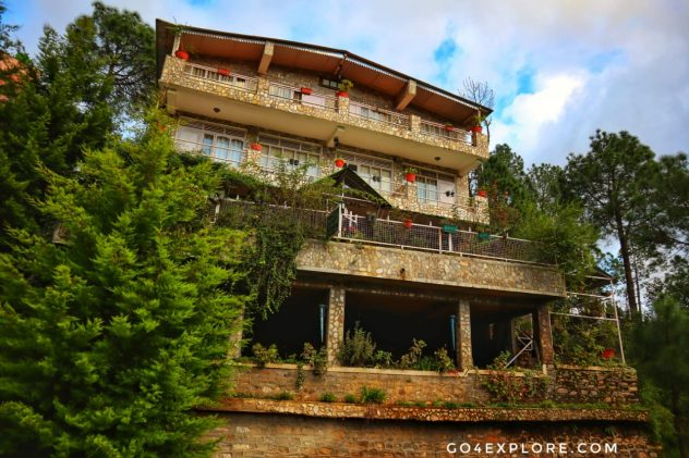 Luxury Cottages in Mukteshwar - Club Ten Pine Lodge