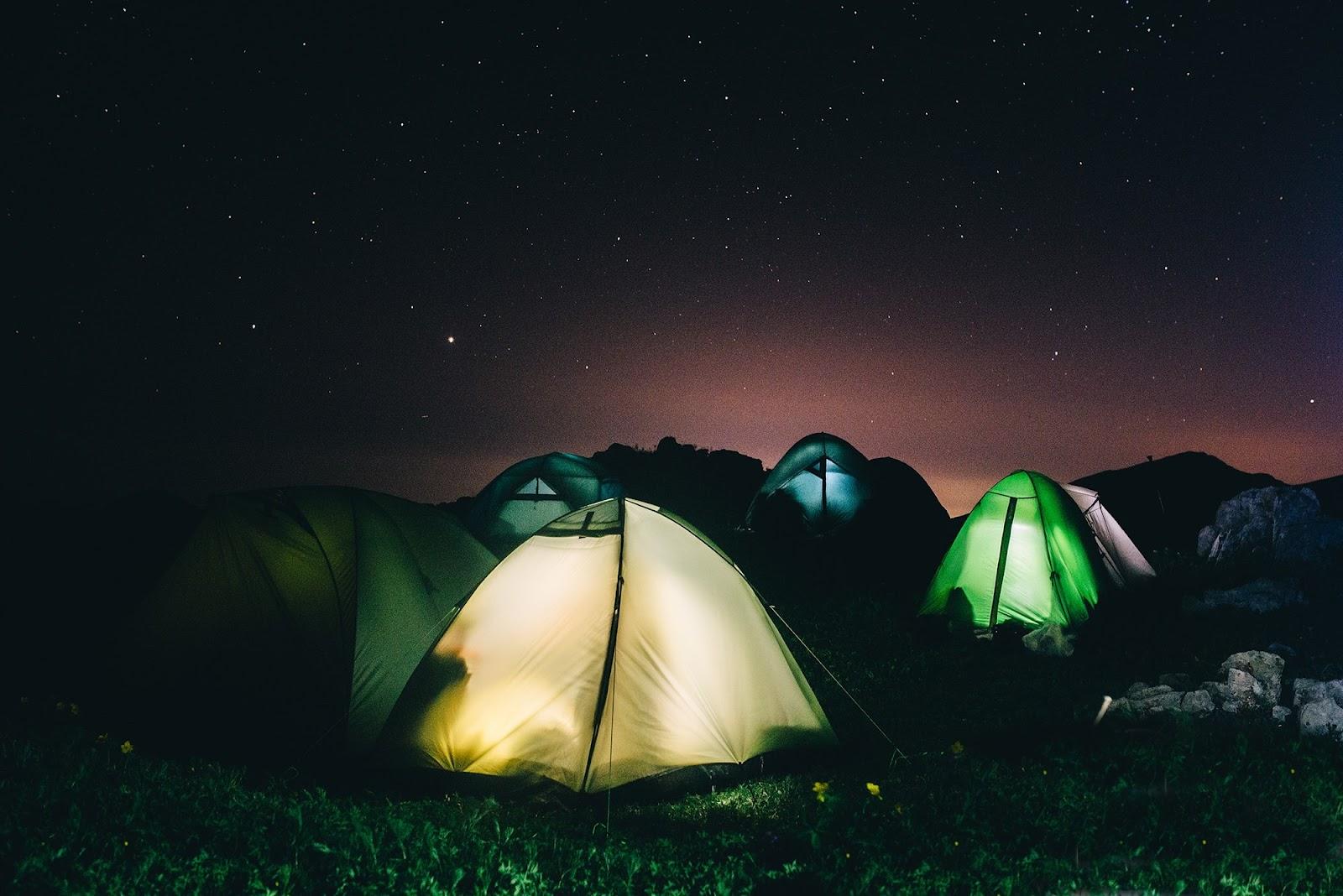 Фото 6. Освещение палаток в походе по Абхазии