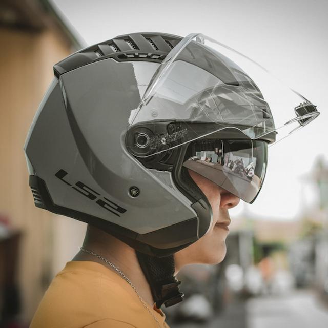 Mũ bảo hiểm 3/4 LS2 OF600 Copter được thiết kế theo phong cách mạnh mẽ