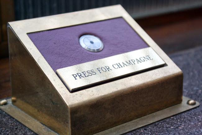 伦敦圣潘克拉斯西尔西酒店的香槟按钮