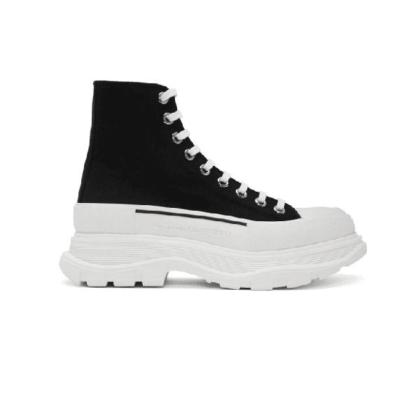 Bạn sẽ khá nổi bật với đôi giày cao cổ Alexander McQueen 2020