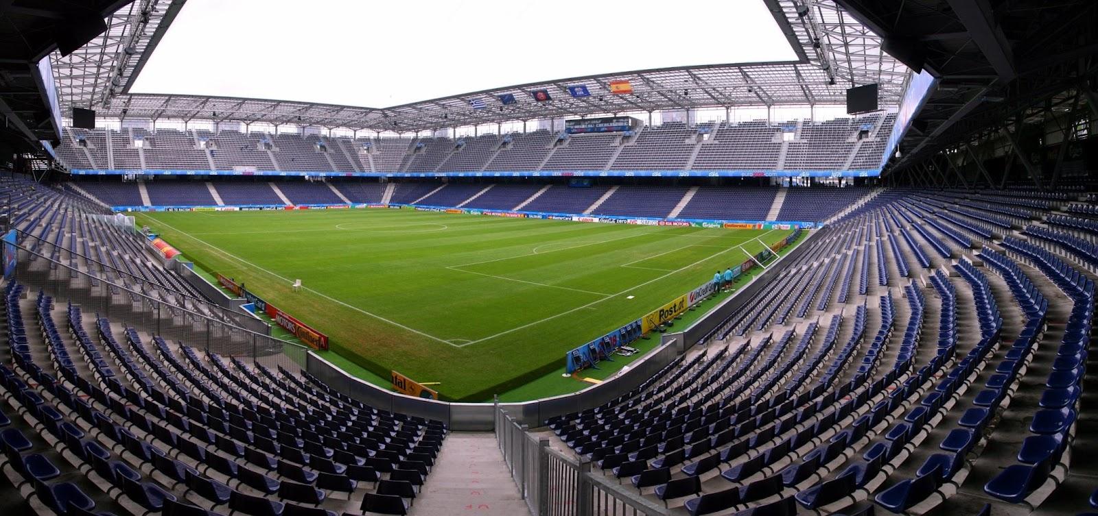 http://upload.wikimedia.org/wikipedia/commons/f/f5/EM-Stadion_Wals-Siezenheim_zur_Euro.jpg