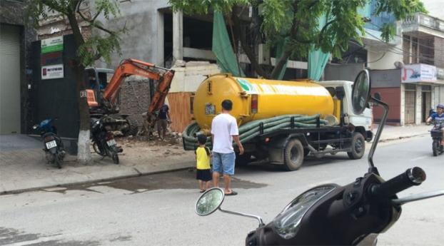 Rác thải nhiều, khó phân hủy gây tắc cống