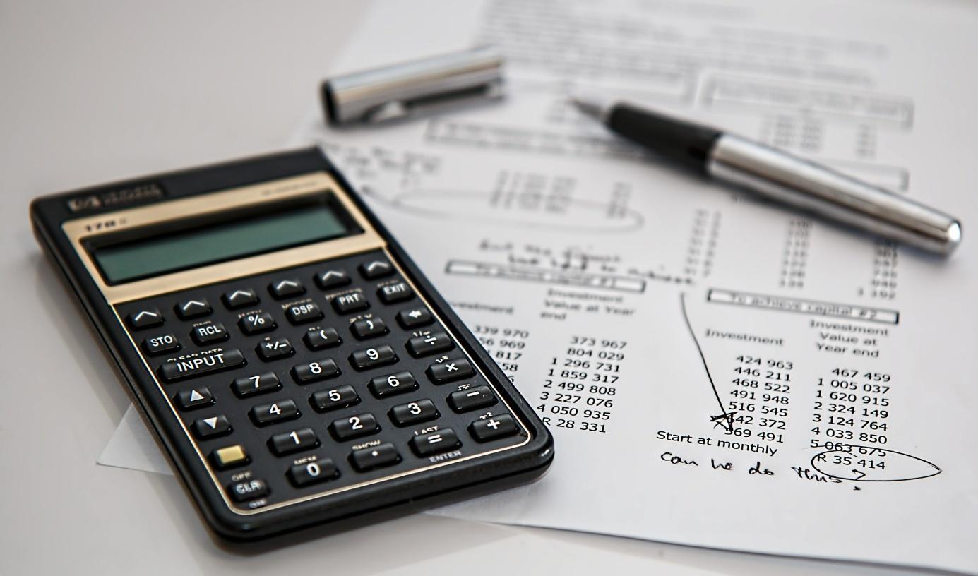 Obsah obrázku kalkulačka, elektronika  Popis byl vytvořen automaticky
