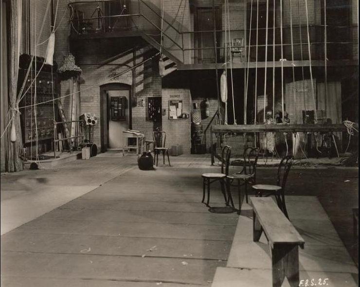 Vaudeville Backstage rigging.jpg