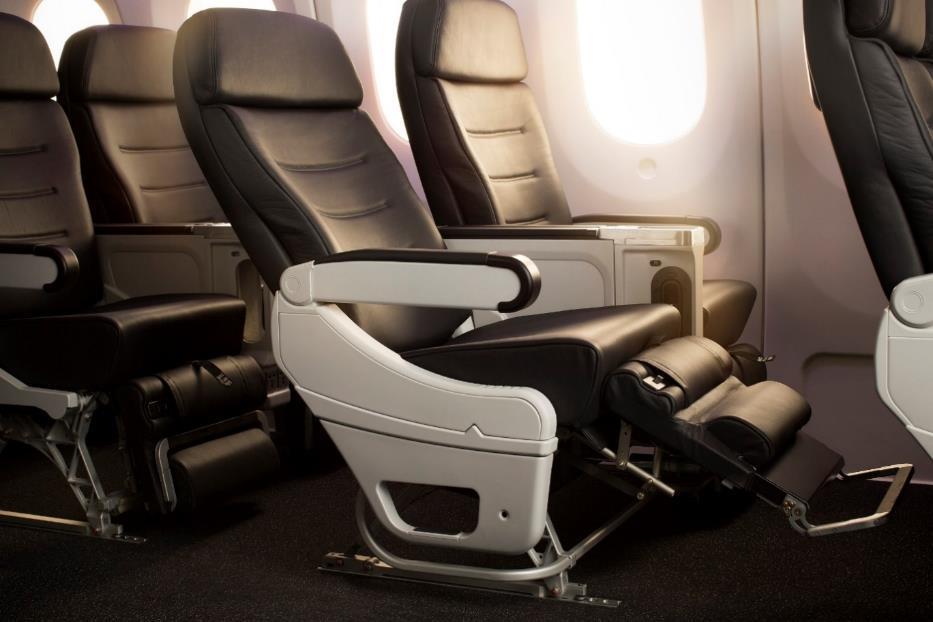 H:\WS\Clients\Air New Zealand\Media\Localization\PPE 豪華經濟艙\TW\Photos\4_豪華經濟艙更加寬敞,提供旅客舒適放鬆的飛行.jpg