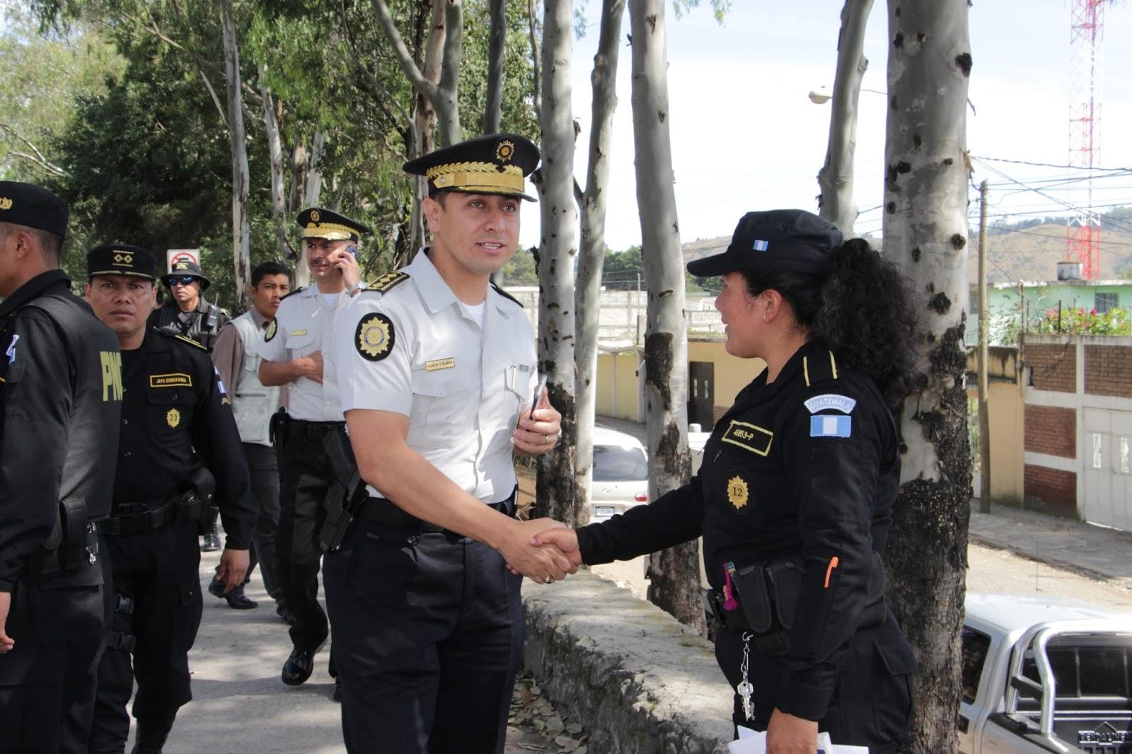 aumento-salarial-PNC-policía-nacional-civil-efectivos-
