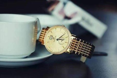 Cách phân biệt đồng hồ Olympia Star