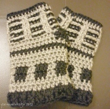 Free crochet pattern – Doctor Who inspired Dalek fingerless gloves