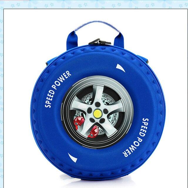 Balo hình chiếc bánh xe rất độc đáo và lạ mắt được các bé trai rất yêu thích.