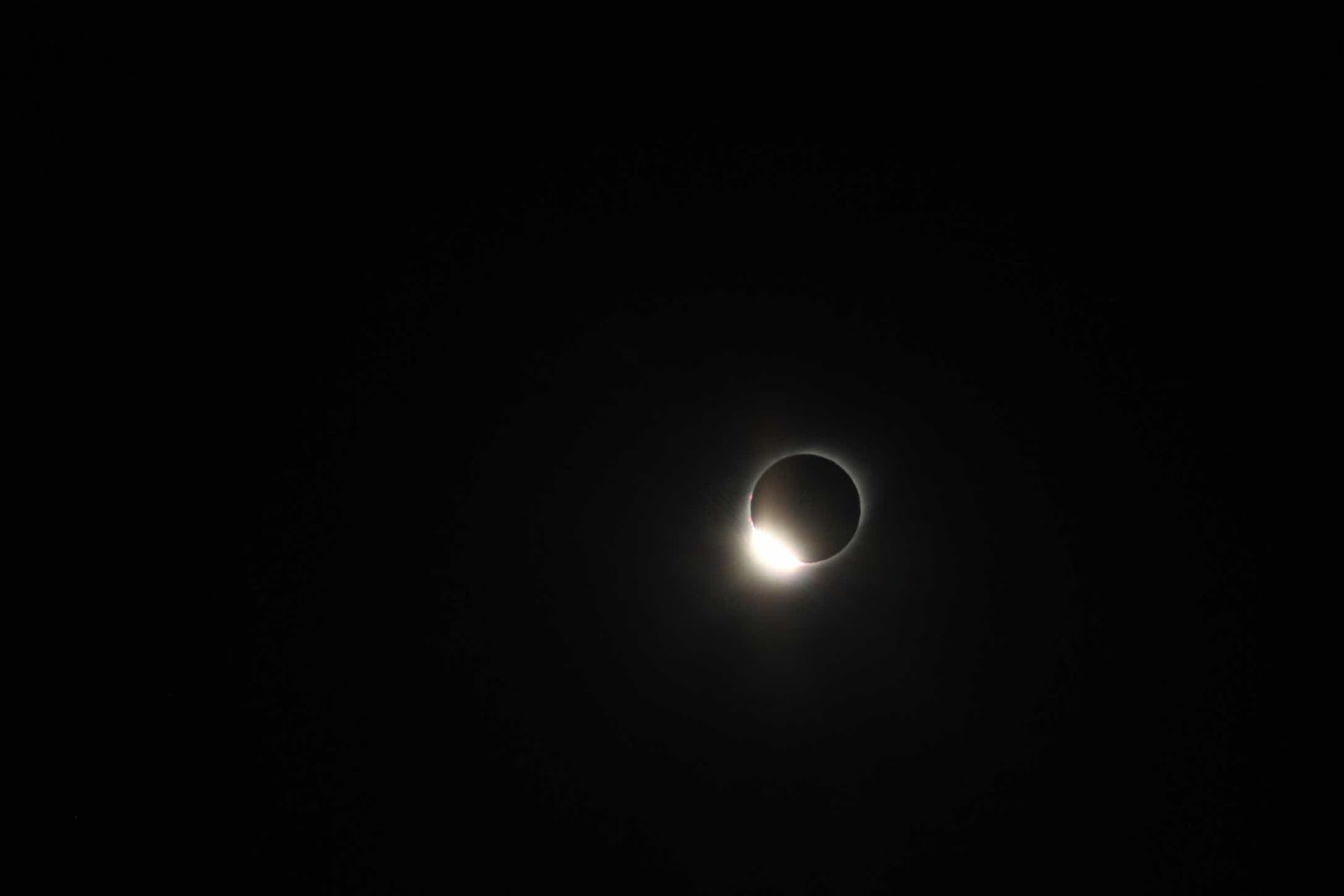 Finally, the diamond ring effect during the 2019 eclipse, with 200mm lens (Source: Palmia Observatory)