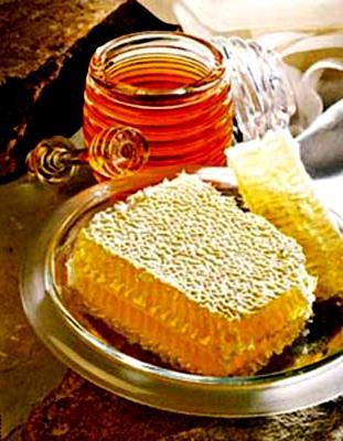 Honey bee products    BeeKeeping   