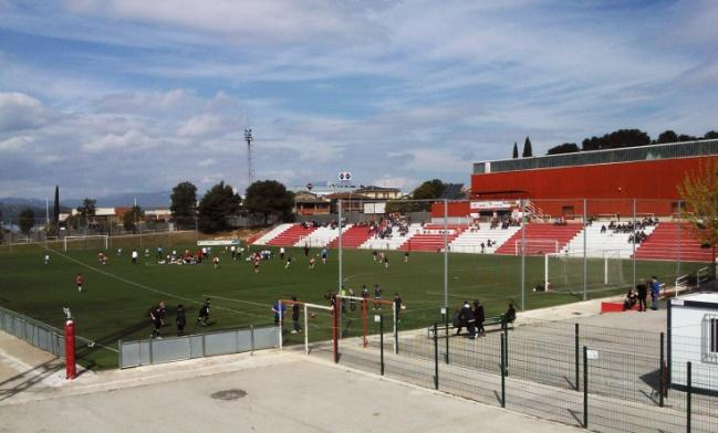 http://upload.wikimedia.org/wikipedia/commons/6/64/Estadio_Can_Roses,_Rub%C3%AD,_Catalunya..jpg