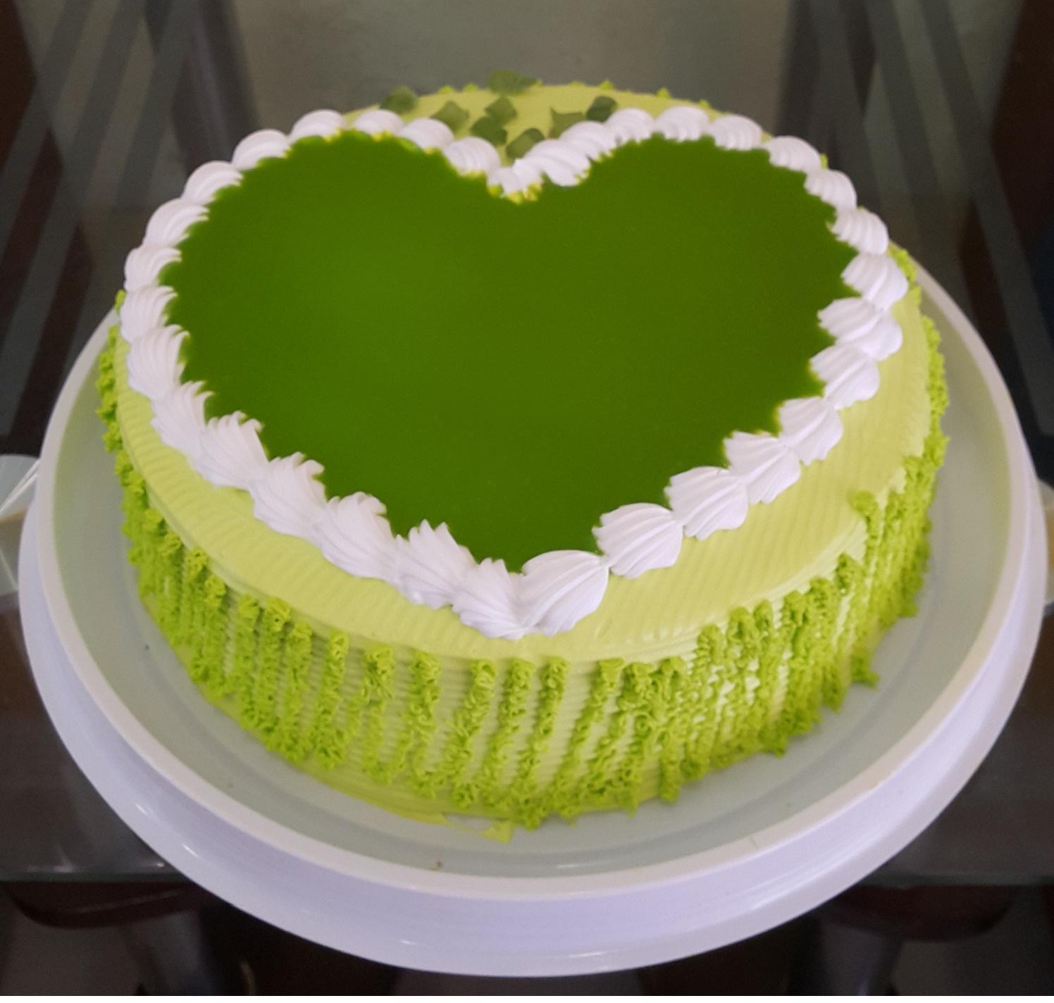 Bánh kem sinh nhật trà xanh giúp loại bỏ mọi độc tố ra khỏi cơ thể mọi người