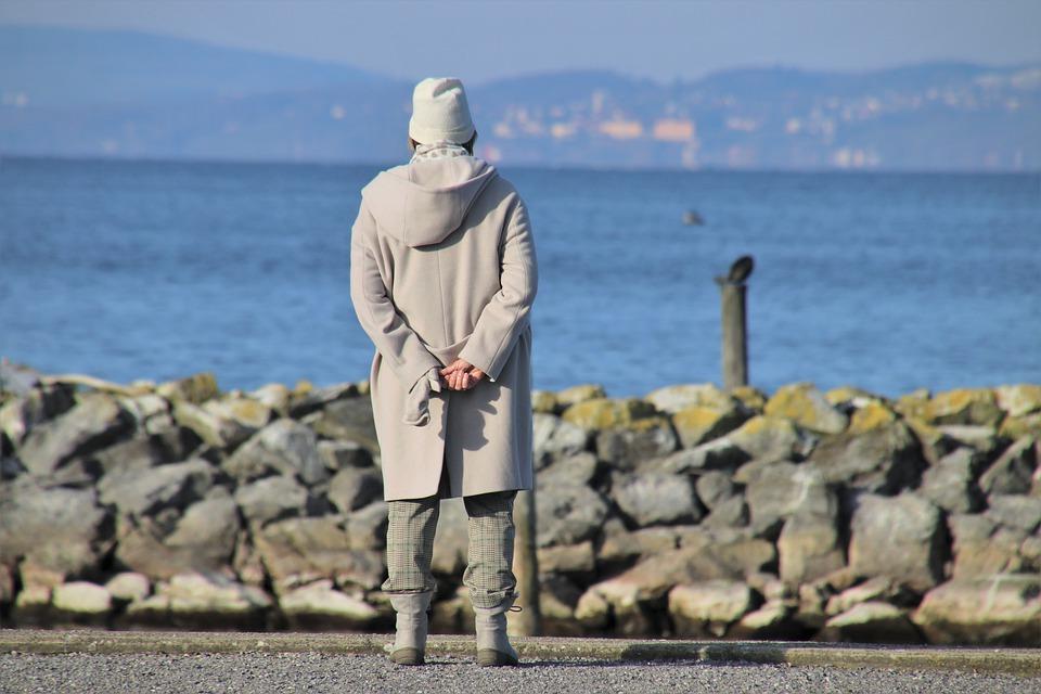 Про белые пальто, «добрых» критиков, непрошенных советчиков и негатив в сети
