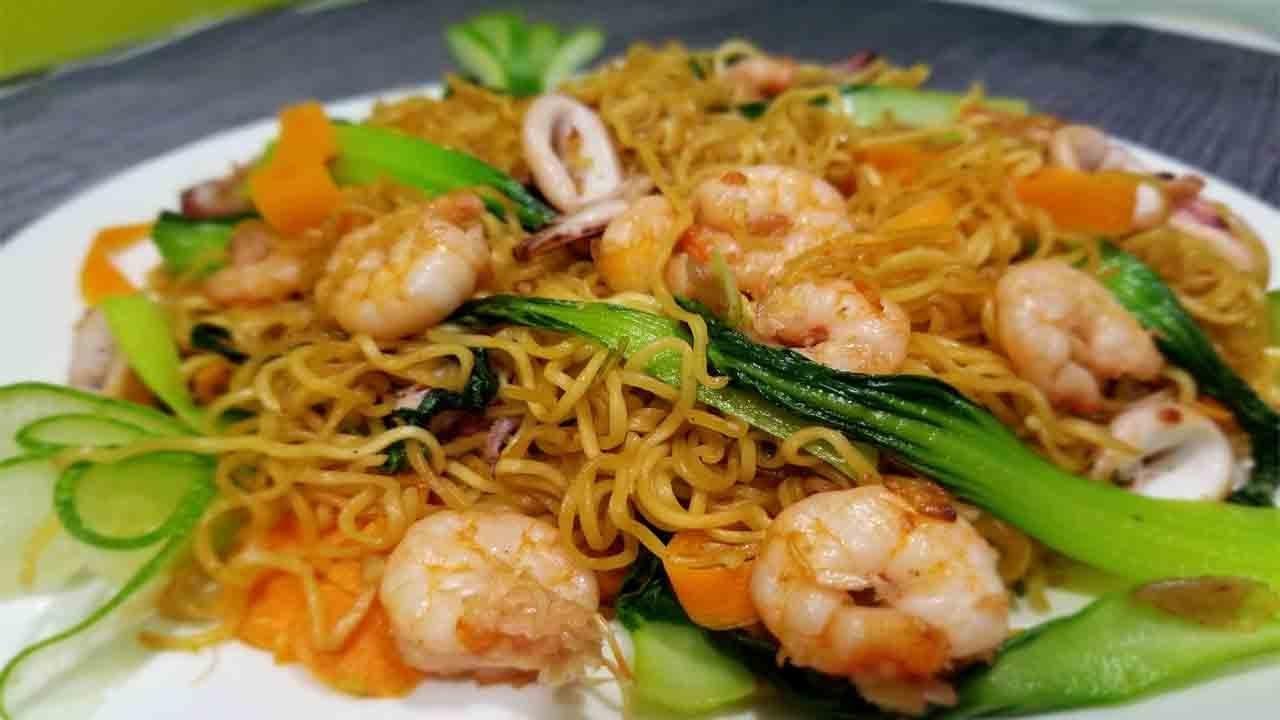 Cách làm mì xào hải sản Phú Quốc ngon như nhà hàng! How to make Stir Fried  Noodle - YouTube