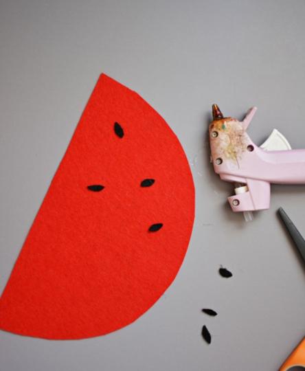 Cách làm túi xách bằng vải nỉ hình hoa quả tặng bé diện chơi 4
