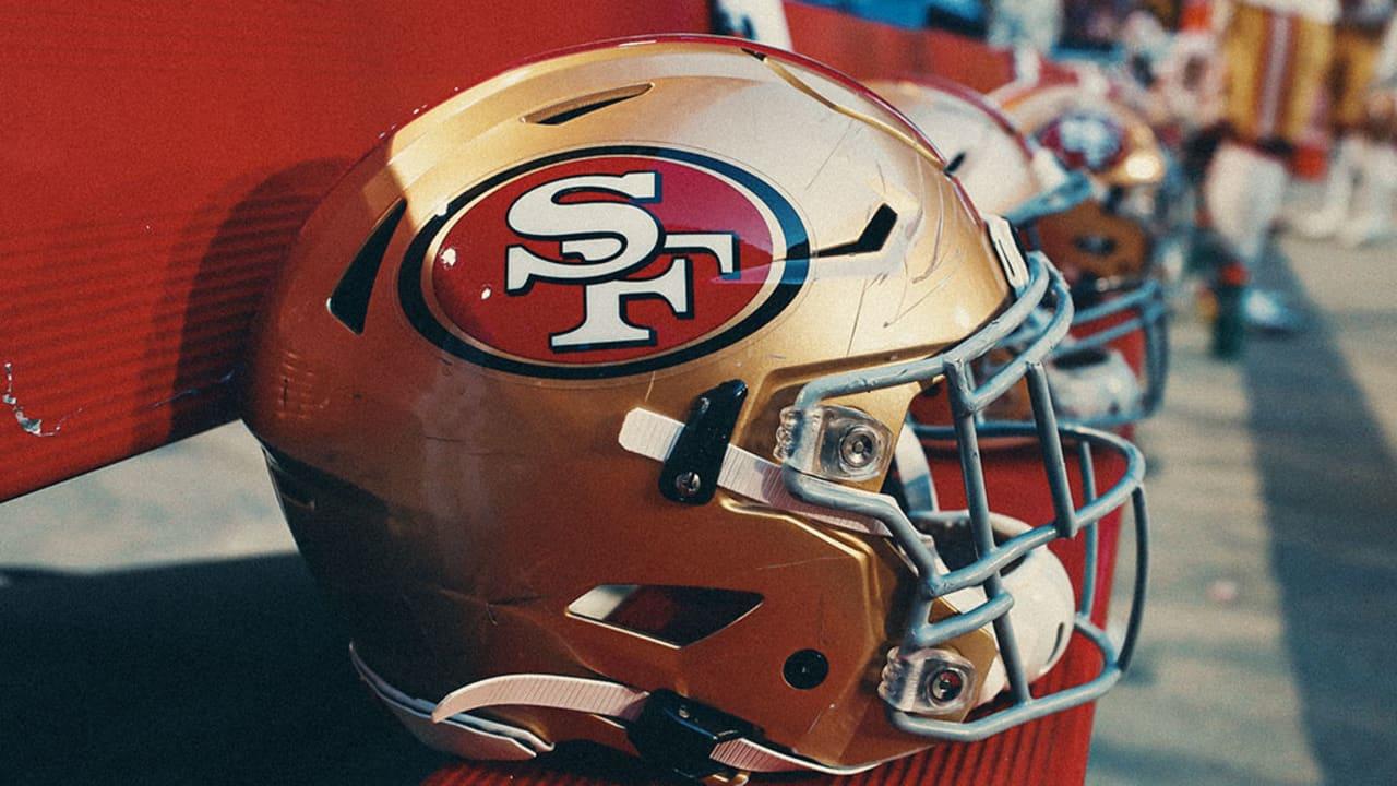 Màu chủ đạo của đội San Francisco 49ers là đỏ và vàng