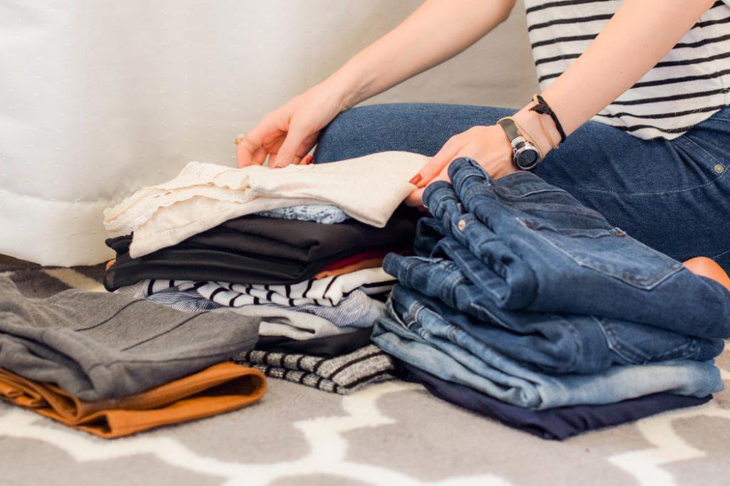folding clothe maximize closet space