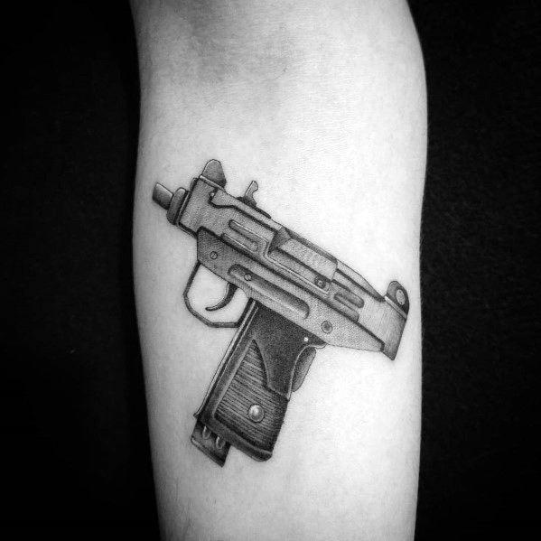 ลายสักชิคาโน่ปืน 08