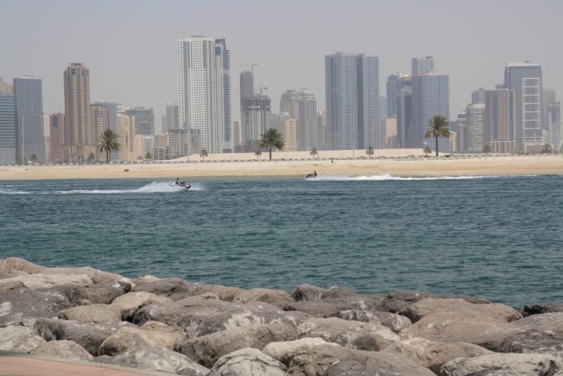 Вид на Шарджа з парку Аль Мамзар
