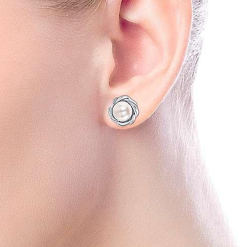 925 Sterling Silver Cultured Pearl Stud Earrings