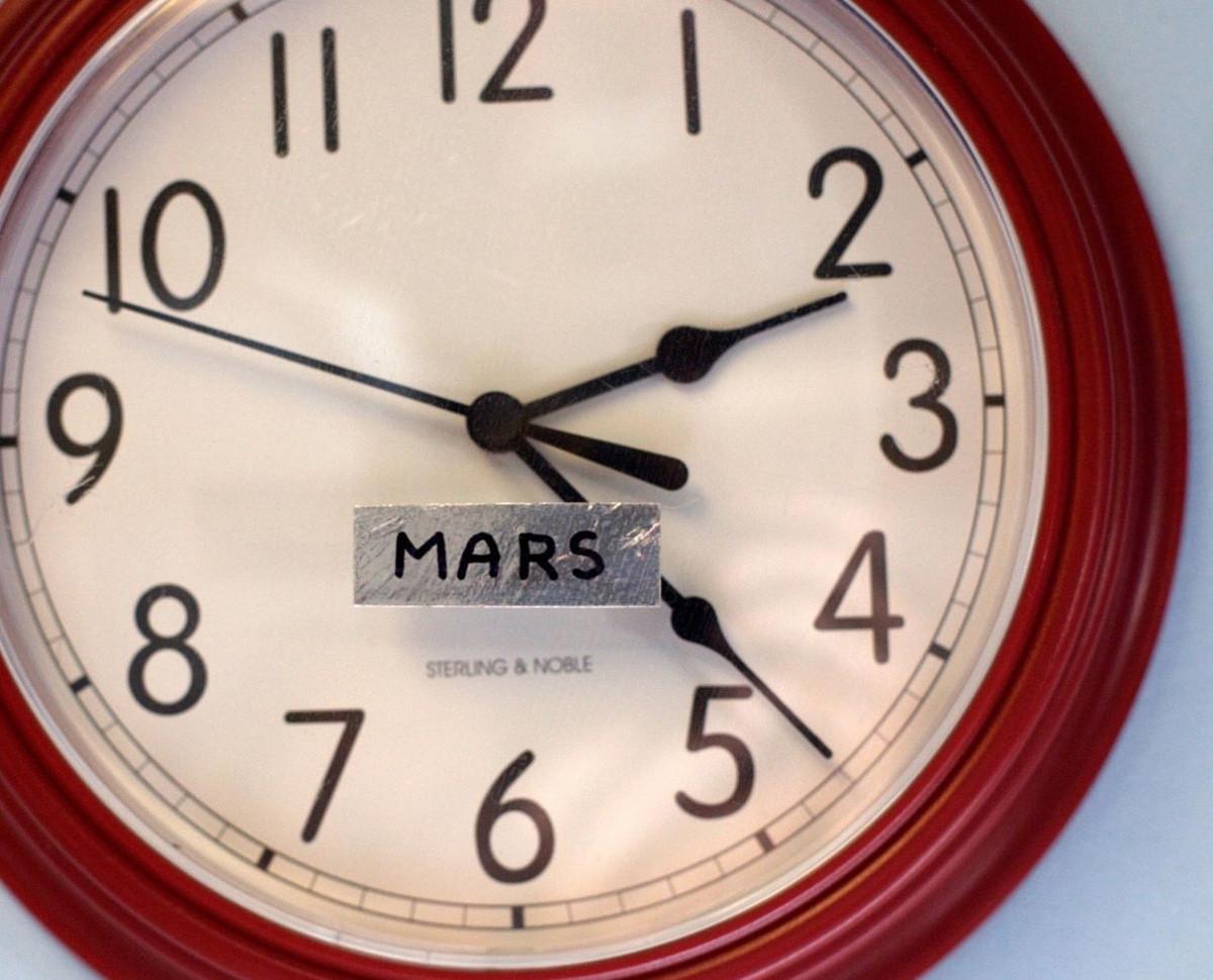 Trong điều kiện tương tự như ở sao Hỏa, Phi hành đoàn 70 phải đợi 20 phút để gửi một email.