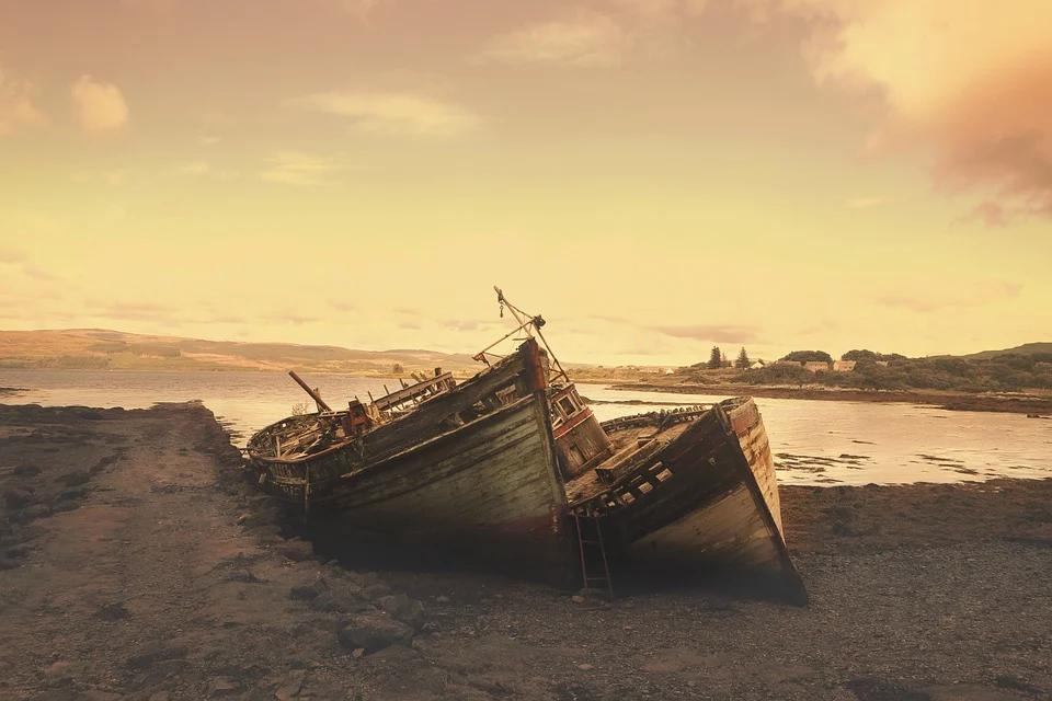 Shipwreck on an island