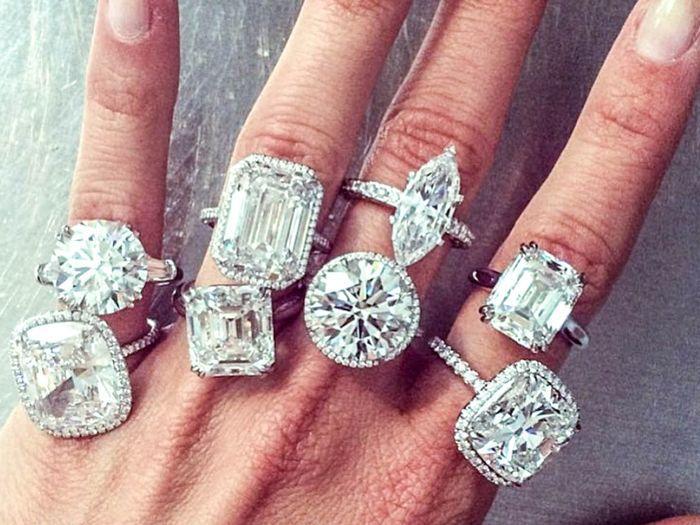 classic-engagement-rings-262585-1531257790972-main.700x0c.jpg