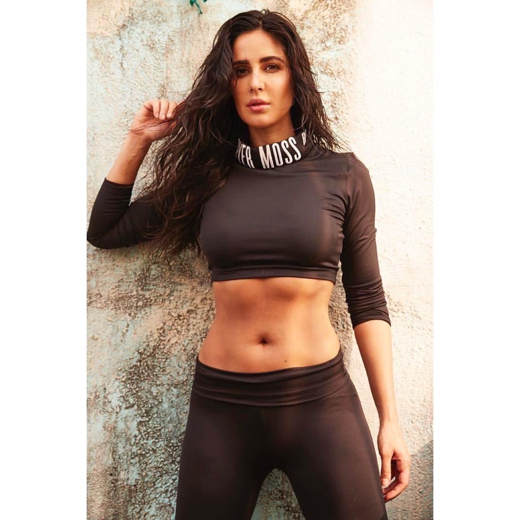 Katrina Kaif hot abs | Bollywood actress gym body Navel Queens