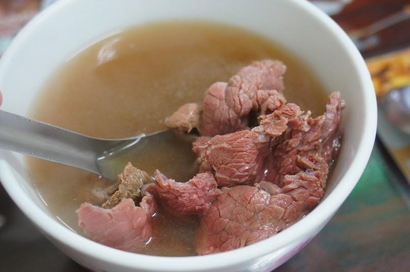 台南美食推薦【文章牛肉湯】安平區溫體牛肉(食尚玩家介紹)