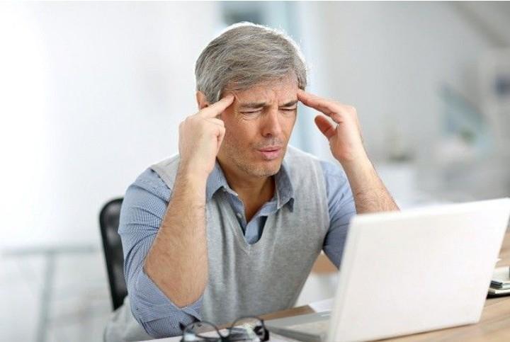 Gejala dan Penyebab Sakit Kepala